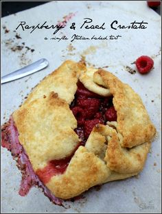 Raspberry & Peach Crostata is a simple Italian pastry filled with fresh raspberries & peach preserves. These are a perfect balance of tart and sweet. Mini Desserts, Italian Desserts, Easy Desserts, Italian Recipes, Delicious Desserts, Dessert Recipes, Oreo Dessert, Italian Pastries, Sweet Recipes