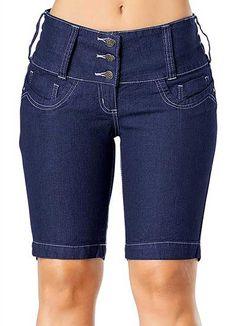 O jeans é a roupa mais básica que existe, mas no calor não tem quem aguente vestir calça, mas para quem não abre mão do jeans, não gosta de passar calor, mas também não gosta de roupas curtas, a bermuda jeans é a solução. A bermuda jeans feminina é uma peça descontraída para montar um …