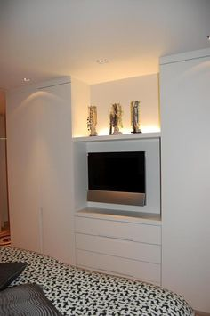 Lievens Interiors: tv toestel in slaapkamer verwerkt