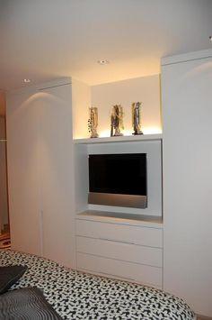Lievens Interiors : tv toestel in slaapkamer verwerkt