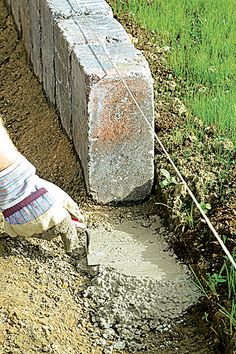 Put lawn edging stones - Haus und Garten - Terrasse Potager Garden, Garden Edging, Lawn And Garden, Garden Steps, Patio Plants, Landscaping Plants, Lawn Edging Stones, Lawn Care Tips, Backyard Patio Designs