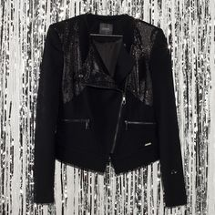#jeansstore #fallwinter14 #fall #winter #autumn #autumnwinter14 #onlinestore #online #store #shopnow #shop #fashion #jacket #guess #aloisa #jetblack #black #slim #slimfit #partyshop #party #women #womencollection #sale