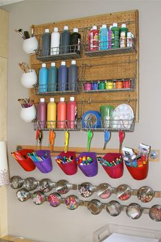 New Art Room! Holly's Arts and Crafts Corner: Our New Art Room!Holly's Arts and Crafts Corner: Our New Art Room! Craft Room Storage, Craft Organization, Craft Rooms, Tool Storage, Pegboard Display, Pegboard Organization, Storage Ideas, Ikea Storage, Organizing Ideas