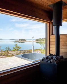 S400-huvila Turun saaristossa Cabins In The Woods, House In The Woods, Residential Log Cabins, Modern Saunas, Home Spa Room, Sauna House, Wooden House Design, Outdoor Sauna, Sauna Design