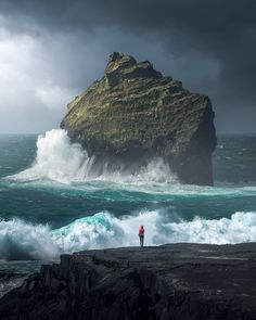 Big waves at Iceland Photography by Iceland Travel Destinations Honeymoon Backpack Backpacking Vacation Landscape Photography, Nature Photography, Travel Photography, Photography Tips, Digital Photography, Photography Lighting, Photography Backdrops, Photography Timeline, Wedding Photography