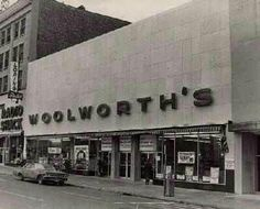 I loved going to this store in Carlisle! They had a lunch counter with balloons that had price tags inside.. You would pop one & it would say how much your banana split would cost that day!! Memories!