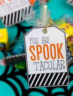 Halloween gifts for teachers gift tags i try to come up with fun ways show our . halloween gifts for teachers cute teacher gift ideas daycare . Halloween Teacher Gifts, Teacher Gift Baskets, Funny Teacher Gifts, Teacher Treats, Halloween Labels, Halloween Treat Bags, Thanksgiving Teacher Gifts, Teacher Poems, Halloween Baskets