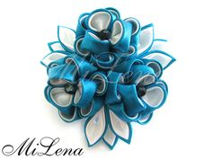 Blue & White Cloth Flowers, Fabric Flowers, Japanese Hairstyle, Japanese Flowers, Kanzashi Flowers, Elastic Hair Bands, Diy Ribbon, Hair Ornaments, Handmade Flowers