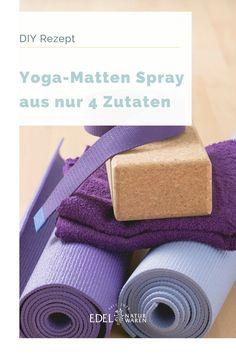 Die Yoga Stunde zu Hause per Live Stream abzusolvieren, ist in der aktuellen Zeit bei vielen an der Tagesordnung. Doch durch schweißtreibende Asanas oder Staub auf dem Boden sammelt sich über die Zeit so einiges an Schmutz an auf der Matte. Wir haben deshalb hier ein einfaches und schnelles DIY Rezept für ein Yogamatten-Spray, welches du nach dem Yoga-Flow auf deine Matte sprühen kannst . Die Herstellung des  Yogamatten-Sprays ist denkbar einfach. #edel-naturwaren.de