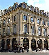 Charvet - Paris - Charvet is Paris high-end shirt maker and tailor Neoclassical Architecture, Classic Architecture, Beautiful Architecture, Carlo Scarpa, Place Vendome Paris, Paris Landmarks, Classic House Exterior, Place Vendôme, Commercial Complex