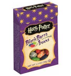 Les Jelly belly Harry Potter Bertie Bott's sont des bonbons magiques. Dans une boite vous trouverez un assortiment de parfums normaux et de parfums drôles (mais beaucoup moins bons) comme goût terre, épinard, oeuf pourri et même vomi ! Cette petite boîte est une très bonne idée cadeau.