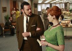Pin for Later: The Bold Costumes on Mad Men Are the Reason Why We Already Miss the Show Season 2 Paul Kinsey and Joan Holloway Christina Hendricks, Hair Pictures, Fashion Pictures, Style Pictures, Mad Men Hair, Mad Men Characters, Joan Harris, Joan Holloway, Gina Torres