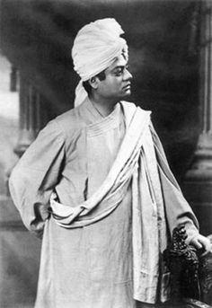 Swami Vivekananda in london-1896-standing-side