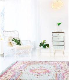 replica rug in pastel colors