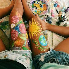 Pin by dima on vsco in 2019 leg art, art hoe, art. Leg Painting, Belly Painting, Summer Painting, Body Painting Girls, Painting Tattoo, Painting Studio, Studio Art, Tattoo Art, Leg Art