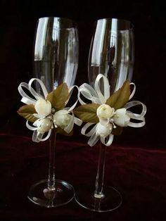 Toasting Flutes, Champagne Flutes, Wedding Party Invites, Diy Flowers, Birthday Parties, Wedding Inspiration, Diy Crafts, Invitations, Crafty