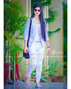 Tips And Tricks Stylish Girl Images, Stylish Girl Pic, Beautiful Girl Indian, Beautiful Girl Image, Dps For Girls, Beautiful Girl Wallpaper, Photo Poses For Boy, Stylish Dpz, Girl Attitude