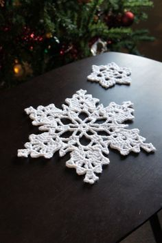100 Crocheted Snowflake Patterns Kings Crown & ? Plan Ahead
