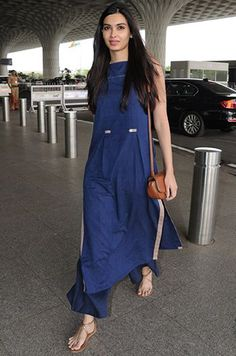 Diana Penty spotted at the airport Week In Style Ethnic Outfits, Indian Outfits, Fashion Outfits, Trendy Outfits, Indian Clothes, Kurta Designs Women, Blouse Designs, Salwar Designs, Dress Indian Style