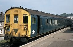 BR Class 414 2 HAP unit no 6036 at Strood, Kent in the These units always seemed to look grubby in appearance! Electric Locomotive, Diesel Locomotive, Steam Locomotive, Uk Rail, Bike Shipping, Model Railway Track Plans, Buses And Trains, Southern Railways, Abandoned Train