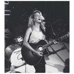 Tori Kelly - love this picture:)