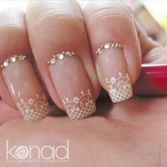 Gold and White Wedding. Manicure, Pedicure, Nails. Pretty wedding day nails!