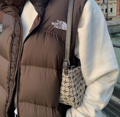 Vest Outfits, Cute Casual Outfits, Puffer Vest Outfit, Vest Coat, Girl Outfits, Look Fashion, Fashion Outfits, Winter Fashion, Fashion Clothes