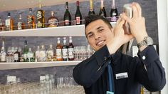 Mein Schiff – Jobs bei sea chefs im Bar Team an Bord Ocean Cruise, Cruise Ships, Cruises, Chefs, Interview, Sea, Cruise, The Ocean