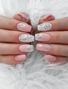 Beautiful Glittering Short Pink Nails Art Designs Idea For Summer And Spring - Lily Fashion Style Gradient Nails, Glitter Nails, Acrylic Nails, Gel Nails, Nail Polish, Coffin Nails, Summer Nails, Spring Nails, Short Pink Nails