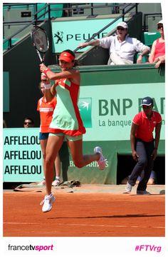 Ivanovic s'envole.  Suivez Roland Garros sur @francetvsport et facebook.com/francetvsport !