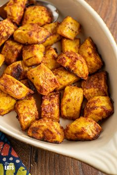 Baked Sweet Plantain - a yummy sweet and savoury side dish using ripe plantain and seasoning.#glutenfree #dairyfree #plantain #slimmingworld #weightwatchers Slimming World Vegetarian Recipes, Ripe Plantain, Slimming Eats, Weight Watchers Meals, Sauce Recipes, Dairy Free, Side Dishes, Food And Drink, Glutenfree