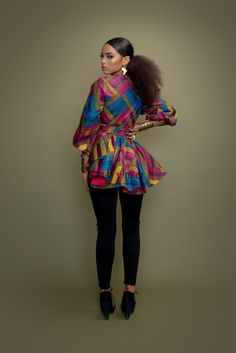 African Clothing Stores, African Print Clothing, African Print Dresses, Afrocentric Clothing, Traditional Wedding Dresses, Wrap Blouse, Print Wrap, Vintage Looks, Blouse Designs