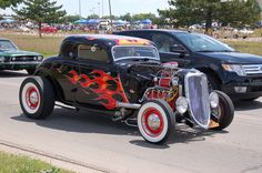 Damn the background! Rat Rod Pickup, Pickup Trucks, Dodge Trucks, Truck Drivers, Rat Rod Cars, Rat Rods, Big Girl Toys, Motorcycle Paint Jobs, Traditional Hot Rod