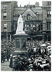 Unveiling of the statue of Queen Victoria in market square