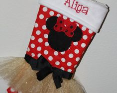 Ispirato al Mickey Mouse Minnie Mouse ispirato calza di   Etsy Minnie Mouse Christmas, Mickey Mouse, Christmas Time, Christmas Stockings, Holiday Decor, Disney, Etsy, Vintage, Baby Dolls