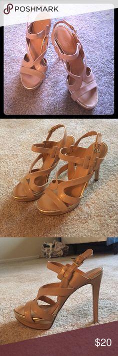 Nine West Heels Super comfortable Nine West 5 inch heels! Size 8 1/2 but fit me (I'm a 7!) Nine West Shoes Heels
