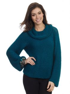Now is the time to learn how to knit a sweater that& as hip as it is stylish. The Easy Seaside Sweater is the knit sweater pattern it won& take you long at all to conquer. Soon, you& have a gorgeous knitted sweater to showcase to the world. Easy Sweater Knitting Patterns, Knit Patterns, Hand Knitting, Free Knitting Patterns For Women, Point Mousse, Knitting Supplies, Knitting Projects, Garter Stitch, Sweaters For Women