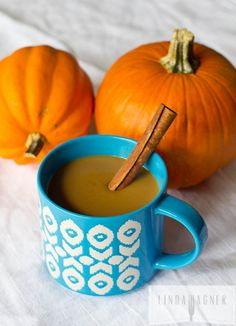 Healthy Pumpkin Spice Latte Recipe // Linda Wagner