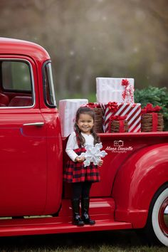 Houston portrait photographer outdoor and studio specializing in family, children, newborn, maternity portraits and more! Christmas Truck, Christmas Tree Farm, Christmas Minis, Christmas Photo Cards, Xmas, Family Christmas Pictures, Holiday Photos, Family Pictures, Vintage Red Truck