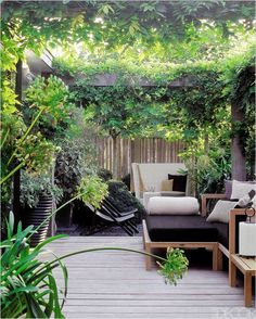 Ideas For The Ultimate Urban Oasis Amsterdam Garden - Urban Gardens Pinned to Garden Design by Darin Bradbury.Amsterdam Garden - Urban Gardens Pinned to Garden Design by Darin Bradbury. Outdoor Rooms, Outdoor Gardens, Outdoor Living, Indoor Outdoor, Outdoor Decking, Gravel Patio, Pea Gravel, Modern Gardens, Outdoor Fire