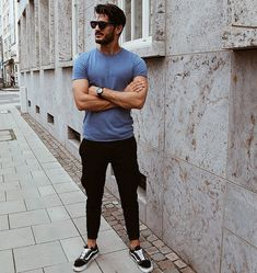 Street Wear Ideas for Men on Summer 30 #men #outfits #UrbanMenOutfits #menfashion #mensguides #menswear #menstreetstyle
