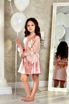 Blush Pink junior bridesmaid satin robe Flower girl kimono robe Mother daughter matching gift Robe for girl whith lace Flower girl gown Flower Girl Gown, Lace Flower Girls, Lace Flowers, Wedding Night Lingerie, Luxury Wedding Dress, Lace Bridal Robe, Bridal Robes, Blush Rosa, Blush Pink
