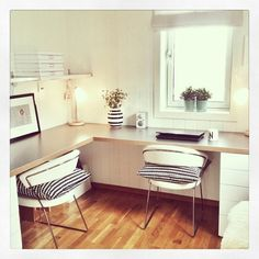 puro estilo nórdico decoración noruega decoración nórdica escandinava decoración muebles de diseño decoración en blanco y… Home Office Desks, Office Decor, Study Room Decor, Casa Clean, Pinterest Home, Guest Room Office, Corner Office, Workspace Design, Decoration Design