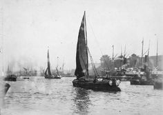 London Docklands, Victorian London, Old London, London Photos, Tower Bridge, Old Photos, Sailing Ships, England, Boat