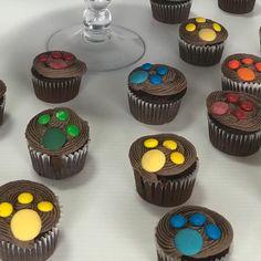 Cupcakes Paw Patrol Cupcakes, Paw Patrol Cake, Paw Patrol Birthday, Baby Boy 1st Birthday Party, Birthday Cupcakes, Cars Theme Cake, Paw Patrol Decorations, Cumple Paw Patrol, Cupcake Videos