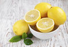 La dieta del limone è un regime dietetico semplice da seguire che ci aiuterà a perdere almeno 3 kg in una settimana. Proviamo?