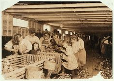 The impact of these images, by photographer Lewis Hine, were instrumental in changing the child labor laws in the U. Old Pictures, Old Photos, Vintage Photos, Vintage Photographs, Time Pictures, Us History, American History, Belle Epoque, Lewis Hine