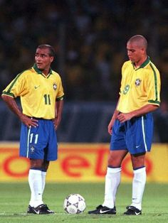 Romario e ronaldo Brazil Football Team, Brazil Team, Football Awards, Fifa Football, World Football, Football Stadiums, Football Field, Sport Nutrition, Association Football