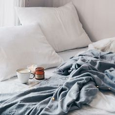 Can we just stay in bed all day? Who else is still recovering from the Thanksgiving weekend? - Architecture and Home Decor - Bedroom - Bathroom - Kitchen And Living Room Interior Design Decorating Ideas - Decor Interior Design, Interior Design Living Room, Room Interior, Scandinavian Interior, Scandinavian Design, Coffee In Bed, Nordic Home, Stay In Bed, Home Decor Bedroom