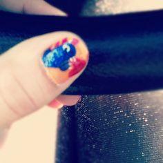 monster throwing up glitter.  #nailart #glitter #monster #sparkly #tights